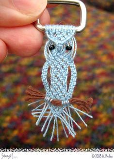Macrame owl with pattern, on belt buckle