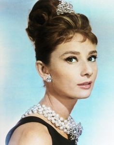 chick flicks, icon, pearl necklaces, breakfast at tiffanys, audrey hepburn, hair makeup, holly golightly, curly hair, bridal showers