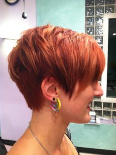 short red hair---LOVE everything about it..pretty cut and color<3  Much more natural color