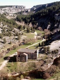 Ermita templaria de San Bartolomé, en el Cañón de Río Lobos, Soria.