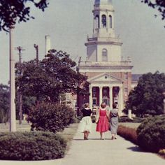 Love this photo of the #Baylor University campus circa 1950... Still so recognizable (and beautiful!). #sicem (via #bayloruniversity on Instagram)