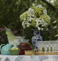 Top 10 Flowers to Grow for Garden Bouquets