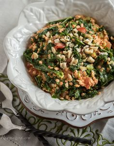 sprouted red lentils with curry and kale