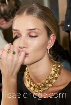 The minimal product, maximum effect makeup look on Rosie Huntington-Whiteley at the GRACE show. Eyes were gently shaded to look defined but not as though they were wearing eyeshadow. http://www.lisaeldridge.com/blog/26220/london-fashion-week-aw14-grace/ #MakeupbyLisaEldridge #LFW #Makeup #Eyes