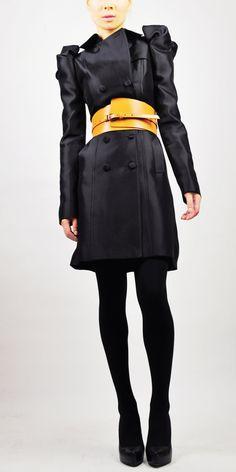 Black chic trenchcoat