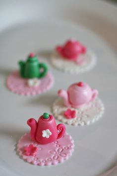 Fondant Tea Pot and Flower Toppers