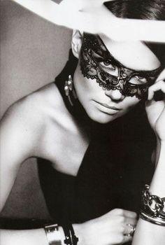 Katie Holmes lace