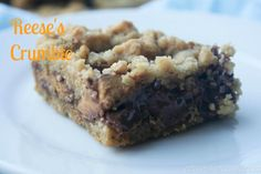 Reese's Crumble= chocolate + reese's PB cups + easy = divine!!!