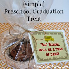 East Coast Mommy: Preschool Graduation Treat...with free printable