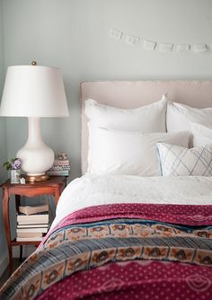 wall colors, vintage quilts, blue walls, lamp, white bedrooms, bedside tables, white bedding, guest rooms, design