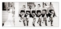 Cute pic of the bride and her bridesmaids:)