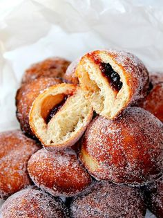 Sufganiyot - Hanukkah Recipe | #hanukkah #chanukkah #food #desser #holiday #party