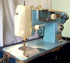 This is a Japanese-made Free-Westinghouse sewing machine.