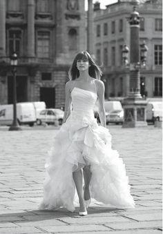 Omg, I love this high-low wedding dress!