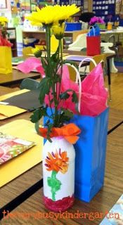 The Very Busy Kindergarten: Mother's Day Vases