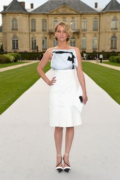 Jennifer Lawrence looks stunning as usual. We expect no less from the Dior ambassador