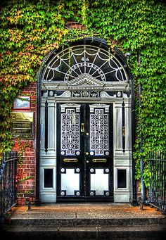 46 Fitzwilliam Square, the most photographed door in Georgian Dublin---which is actually Edwardian--installed around 1907.