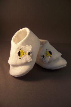 Bumble bee booties