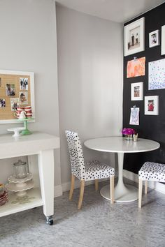 Makeover IKEA chairs with a sharpie - Little Green Notebook: More Sharpie Les Touches