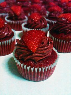 Top 10 Cupcake Recipes for Valentine's Day - No. 5: Strawberry Fantasy Cupcakes