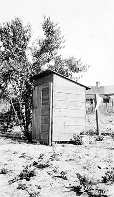 Privy, North Carolina, 1914-1915Credit: North Carolina State ArchivesThe less well-off would have made do with a simple outdoor privy.