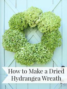 How to Make a Dried Hydrangea Wreath hydrangea wreath, dri hydrangea, wreath diy