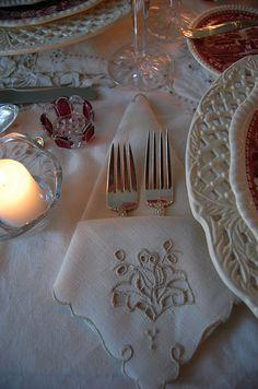 elegant napkin folding instructions