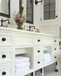 Great storage!! Love the cabinets! Love this!