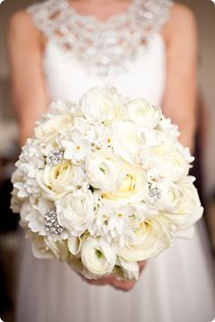 Wedding ● Bouquet Ideas ● white roses, ranunculus and narcissi