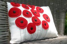idea, poppi flower, field pillow, flower pillow, flowers pillows, poppies, felt flowers, originalpoppi field, poppi pillow
