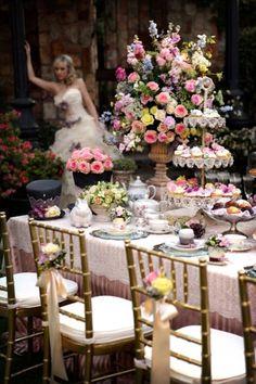 OMG! Alice in Wonderland Theme for a wedding ♡