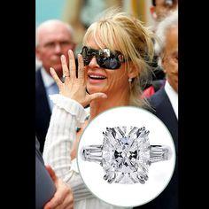 nicolette sheridan's engagement ring #engagementring #nicolettsheridan #engagement #celebrityengagement #wedding