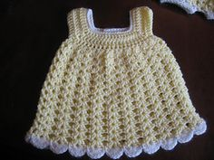 This is a very simple little sundress that can be manipulated in so many ways! If you use sport weight yarn & a 3mm hook, you will gain a preemie size, DK & a 4mm hook will give you a newborn size, DK & a 5mm hook will get you 0-3 months size, & worsted weight & a 5.5mm or 6mm hook will give you 3-6 months size. Blurting Bloggers, Easy Baby, Crochet Baby, Bloomers Pattern, Baby Sundresses, Free Easy, Crochet Pattern, Crochet Knits, Blog Worth