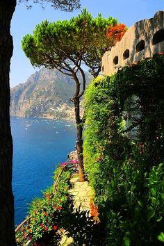 Coastal View, San Pietro di Positano, Italy photo via siafarnar