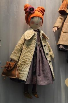Jolie poupée de collection