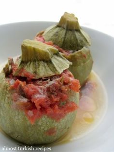Almost Turkish Recipes: Stuffed Zucchinis with Ground Meat (Etli Kabak Dolması)