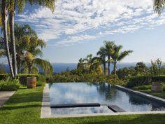 Breathtaking contemporary retreat with ocean views