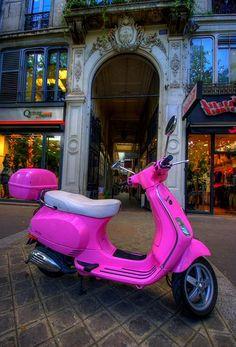 Pink Vespa <3