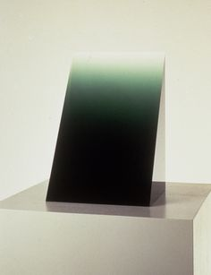 vaerktoj:  Green Widget, 1969, Cast Polyester Resin, 14 1/2 x 8 3/4