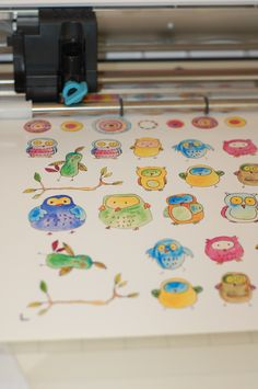 Silhouette Cameo cutting--making stickers