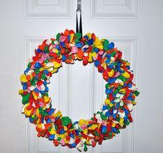 Baloon Wreath.  Cute idea for Baby Ryan's birthday.