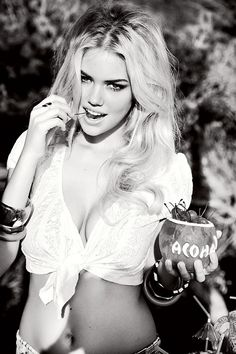 model, ellen von unwerth, weight loss, kate upton, white shirts, kateupton, big hair, eye liner, ad campaigns