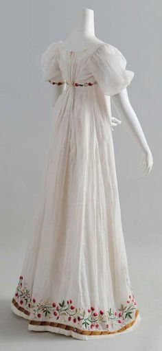 gathers in the back...Regency dress c.1805  Something fit for a princess it's beautiful.