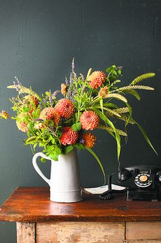 Fall bouquets are my favorite.