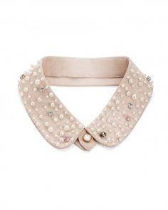 collar in nude