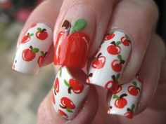 Nail art: Apple delicious