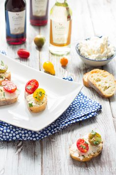 Easy Ricotta Toasts with Tomatoes Appetizer for Football | www.themessybakerblog.com #SundaySupper
