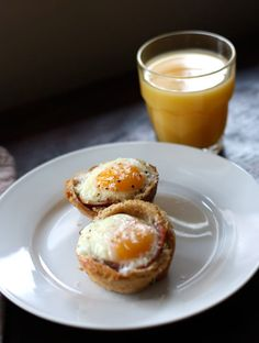 Egg and Prosciutto in Toast Cups