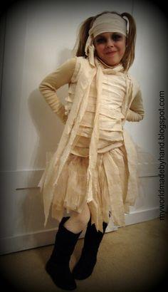 DIY Halloween Mummy Costume