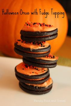 Halloween Oreos with Fudge Topping | FamilyFoodandTravel.com